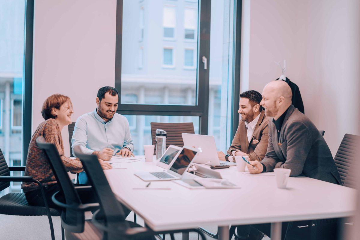 GLEIF und Social DNA im Meeting zu Social Advertising Strategien in der Finaznbranche